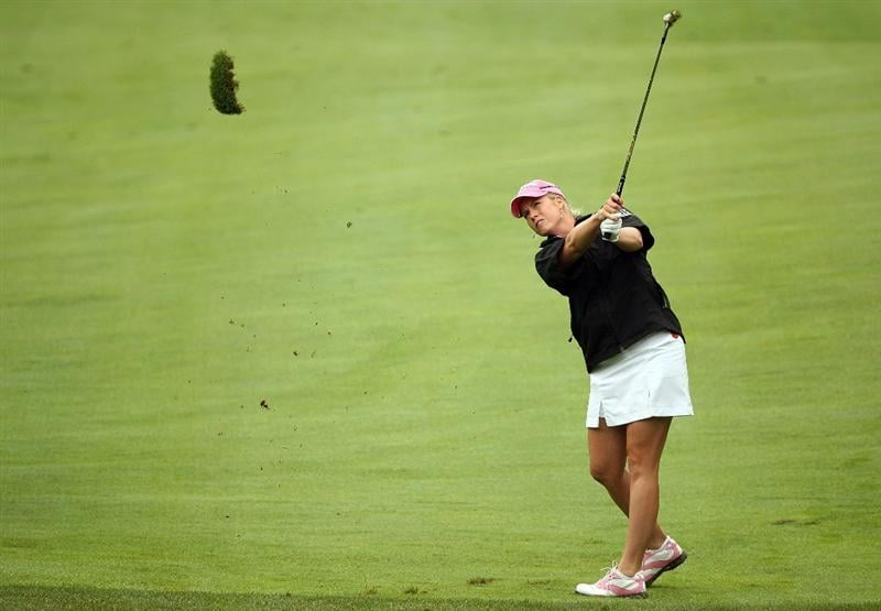 HAVRE DE GRACE, MD - JUNE 11:  Brittany Lincicome hits her second shot on the 2nd hole during the first round of the McDonald's LPGA Championship at Bulle Rock Golf Course on June 11, 2009 in Havre de Grace, Maryland.  (Photo by Andy Lyons/Getty Images)
