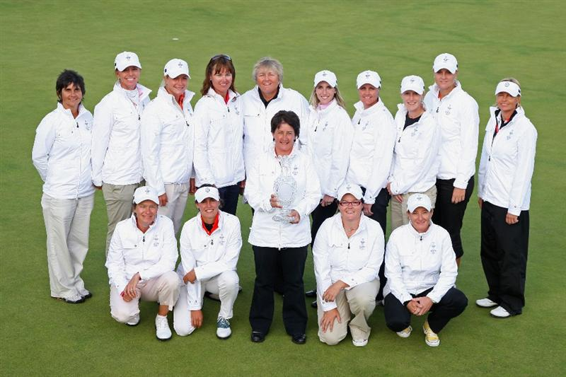 LYTHAM ST ANNES, ENGLAND - AUGUST 02:  Europe  Solheim Cup Team Captain Alison Nicholas poses with her team members following a Press Conference to announce the teams for the 2009 Solheim Cup following the final round of the 2009 Ricoh Women's British Open Championship held at Royal Lytham St Annes Golf Club, on August 2, 2009 in Lytham St Annes, England.  (Photo by David Cannon/Getty Images)