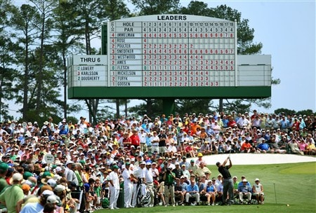 AUGUSTA, GA - APRIL 11:  Tiger Woods hits his tee shot on the third hole during the second round of the 2008 Masters Tournament at Augusta National Golf Club on April 11, 2008 in Augusta, Georgia.  (Photo by Andrew Redington/Getty Images)