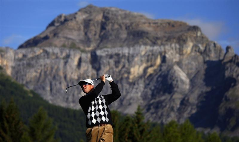 CRANS, SWITZERLAND - SEPTEMBER 05:  Niclas Fasth of Sweden plays his second shot on the 12th hole during the second round of the Omega European Masters at Crans-Sur-Sierre Golf Club on September 5, 2008 in Crans Montana, Switzerland.  (Photo by Andrew Redington/Getty Images)