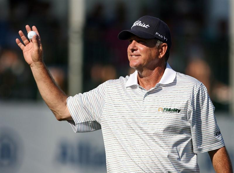 BOCA RATON, FL - FEBRUARY 15:  Jay Haas waves to a cheering crowd on the 18th green after the final round of the Allianz Championship at The Old Course at Broken Sound Club on February 15, 2009 in Boca Raton, Florida.  (Photo by Doug Benc/Getty Images)