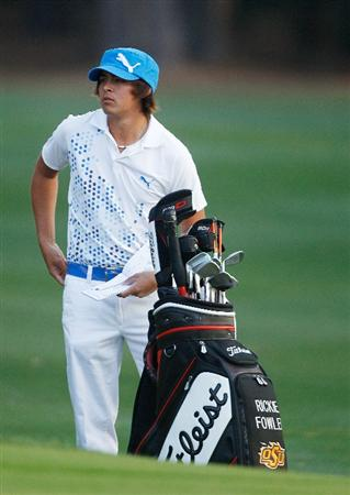 HILTON HEAD ISLAND, SC - APRIL 15:  Rickie Fowler waits on the second hole during the first round of the Verizon Heritage at the Harbour Town Golf Links on April 15, 2010 in Hilton Head lsland, South Carolina.  (Photo by Scott Halleran/Getty Images)