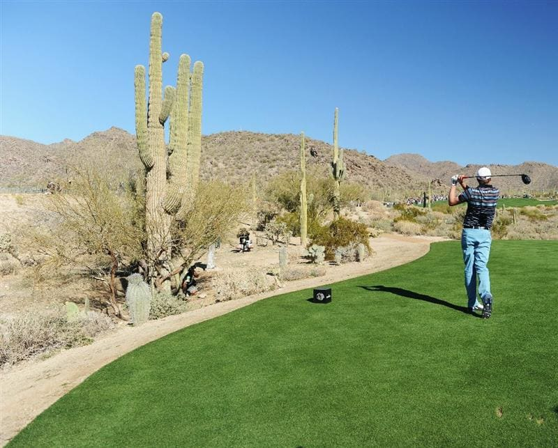 MARANA, AZ - FEBRUARY 24:  Nick Watney plays his tee shot on the 18th hole during the second round of the Accenture Match Play Championship at the Ritz-Carlton Golf Club on February 24, 2011 in Marana, Arizona.  (Photo by Stuart Franklin/Getty Images)
