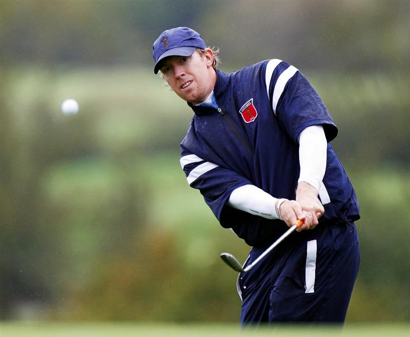 NEWPORT, WALES - SEPTEMBER 29:  Hunter Mahan of the USA hits a shot during a practice round prior to the 2010 Ryder Cup at the Celtic Manor Resort on September 29, 2010 in Newport, Wales.  (Photo by Sam Greenwood/Getty Images)