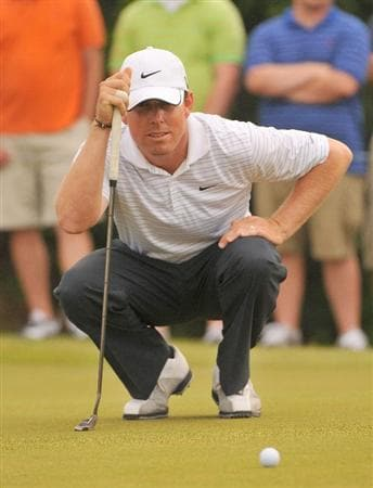 SAN ANTONIO TX - MAY 16: Justin Leonard lines up a birdie putt on the 8th hole during the third round of  the Valero Texas Open held at La Cantera Golf Club on May 16, 2009 in San Antonio, Texas.  (Photo by Marc Feldman/Getty Images)