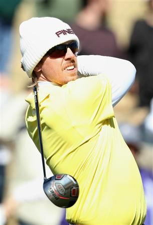 SCOTTSDALE, AZ - FEBRUARY 04:  Hunter Mahan hits a tee shot on the 14th hole during the first round of the Waste Management Phoenix Open at TPC Scottsdale on February 4, 2011 in Scottsdale, Arizona.  (Photo by Christian Petersen/Getty Images)