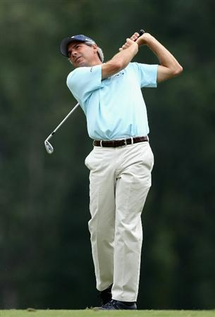 CONOVER, NC - OCTOBER 03:  Fred Couples hits his second shot on the sixth hole during the final round of the Ensure Classic at the Rock Barn Golf & Spa on October 3, 2010 in Conover, North Carolina.  (Photo by Christian Petersen/Getty Images)