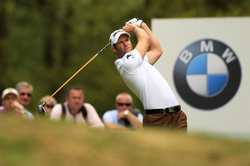 VIRGINIA WATER, ENGLAND - MAY 20:   Bradley Dredge of Wales tees off during the first round of the BMW PGA Championship on the West Course at Wentworth on May 20, 2010 in Virginia Water, England.  (Photo by Warren Little/Getty Images)