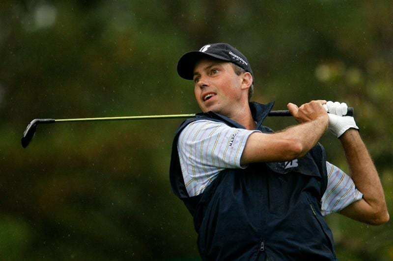 ATLANTA - SEPTEMBER 26:  Matt Kuchar hits his tee shot on the 18th hole during the final round of THE TOUR Championship presented by Coca-Cola at East Lake Golf Club on September 26, 2010 in Atlanta, Georgia.  (Photo by Scott Halleran/Getty Images)