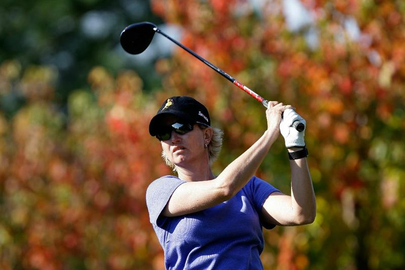 SHIMA, JAPAN - NOVEMBER 06:  Karrie Webb of Australia plays a shot on the 2nd hole during round two of the Mizuno Classic at Kintetsu Kashikojima Country Club on November 6, 2010 in Shima, Japan.  (Photo by Chung Sung-Jun/Getty Images)