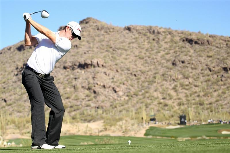 MARANA, AZ - FEBRUARY 24:  Justin Rose of England hits his tee shot on the 15th hole during the second round of the Accenture Match Play Championship at the Ritz-Carlton Golf Club on February 24, 2011 in Marana, Arizona.  (Photo by Andy Lyons/Getty Images)