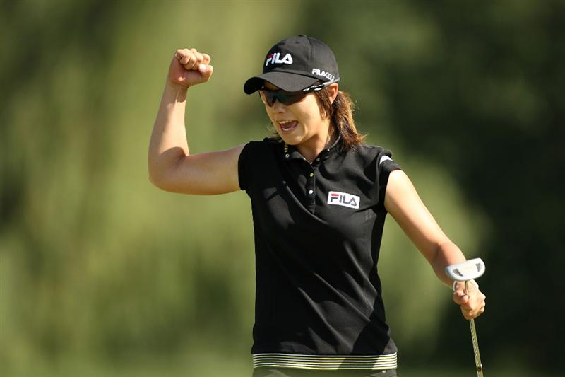 BETHLEHEM, PA - JULY 12:  Eun Hee Ji of South Korea celebrates after making a putt on the 14th hole during the 2009 U.S. Women's Open at Saucon Valley Country Club on July 12, 2009 in Bethlehem, Pennsylvania.  (Photo by Streeter Lecka/Getty Images)