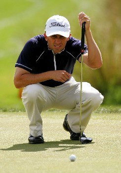 PALM BEACH GARDENS, FL - MARCH 01:  Tim Wilkinson of New Zealand lines up a putt on the 2nd hole during the third round of the Honda Classic at PGA National Resort and Spa on March 1, 2008 in Palm Beach Gardens, Florida.  (Photo by Sam Greenwood/Getty Images)