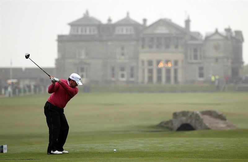 ST ANDREWS, SCOTLAND - OCTOBER 08:  Graeme McDowell of Northern Ireland drives off the 18th tee during the second round of The Alfred Dunhill Links Championship at The Old Course on October 8, 2010 in St Andrews, Scotland.  (Photo by Ross Kinnaird/Getty Images)