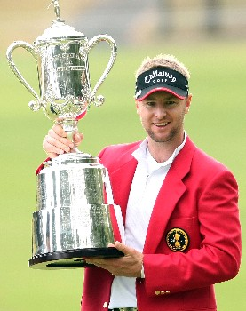GOTENBA, JAPAN - NOVEMBER 11:  Brendan Jones of Australia poses with the trophy after winning the Sumitomo Visa Taiheiyo Masters at Taiheiyo Club on November 11, 2007 in Gotenba, Shizuoka Prefecture, Japan.  (Photo by Koichi Kamoshida/Getty Images)