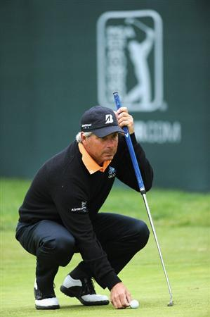 PACIFIC PALISADES, CA - FEBRUARY 18:  Fred Couples ponders his putt on the 17th hole during the second round of the Northern Trust Open at Riviera Country Club on February 18, 2011 in Pacific Palisades, California.  (Photo by Stuart Franklin/Getty Images)