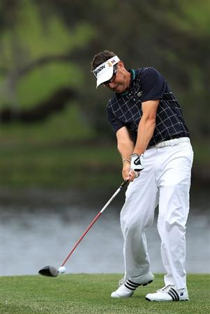 ORLANDO, FL - MARCH 25:  Robert Allenby of Australia plays his tee shot at the 16th hole during the first round of the Arnold Palmer Invitational presented by Mastercard at the Bayhill Club and Lodge, on March 25, 2010 in Orlando, Florida.  (Photo by David Cannon/Getty Images)
