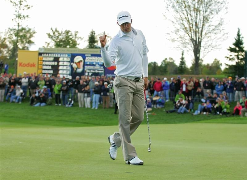 VERONA, NY - OCTOBER 05: Dustin Johnson birdies the 18th hole to win the Turning Stone Resort Championship at Atunyote Golf Club held on October 5, 2008 in Verona, New York.  (Photo by Michael Cohen/Getty Images)