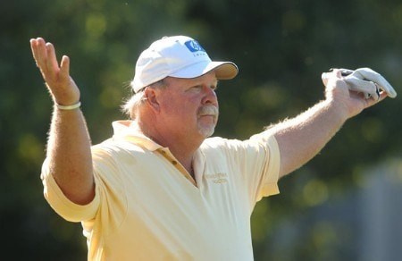 Craig Stadler waves from the 15th tee as he looks for a signal for an out of bounds lie during the second round of the Champion's TOUR 2005 SBC Championship at Oak Hills Country Club in San Antonio, Texas October 22, 2005.Photo by Steve Grayson/WireImage.com