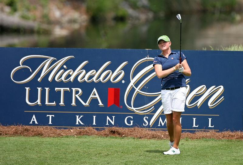 WILLIAMSBURG, VA - MAY 8 : Stacy Lewis hits her tee shot on the 13th hole during the second round of the Michelob Ultra Open at Kingsmill Resort on May 8, 2009 in Williamsburg, Virgina. (Photo by Hunter Martin/Getty Images)