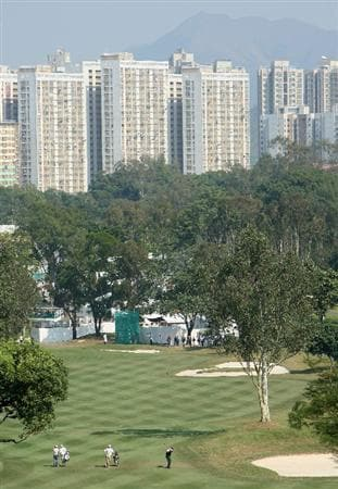 HONG KONG, CHINA - NOVEMBER 20:  Colin Montgomerie of Scotland plays his approach shot on the third hole during the first round of the UBS Hong Kong Open at the Hong Kong Golf Club on November 20, 2008 in Fanling, Hong Kong.  (Photo by Stuart Franklin/Getty Images)