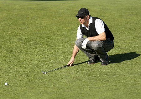 PEBBLE BEACH, CA - FEBRUARY 07:  Actor Kevin Costner lines up his putt on the 18th hole during the first round of the AT&T Pebble Beach National Pro-Am at Poppy Hills Golf Course February 7, 2008  in Pebble Beach, California.  (Photo by Stephen Dunn/Getty Images)