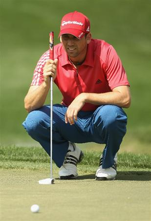 DUBAI, UNITED ARAB EMIRATES - FEBRUARY 13:  Sergio Garcia of Spain looks on during the final round for the 2011 Omega Dubai desert Classic held on the Majilis Course at the Emirates Golf Club on February 13, 2011 in Dubai, United Arab Emirates.  (Photo by Ian Walton/Getty Images)