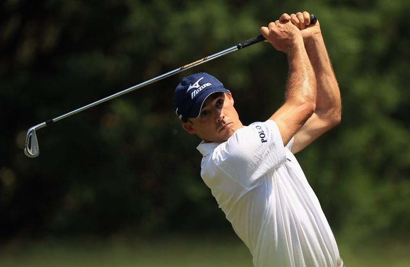 CHARLOTTE, NC - MAY 08:  Jonathan Byrd watches a tee shot on the 6th hole during the final round of the Wells Fargo Championship at Quail Hollow Club on May 8, 2011 in Charlotte, North Carolina.  (Photo by Streeter Lecka/Getty Images)