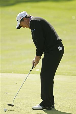 TIMONIUM, MD - OCTOBER 01:  Fred Funk hits a putt during the first round of the Constellation Energy Senior Players Championship at Baltimore Country Club/Five Farms (East Course) held on October 1, 2009 in Timonium, Maryland. (Photo by Michael Cohen/Getty Images)
