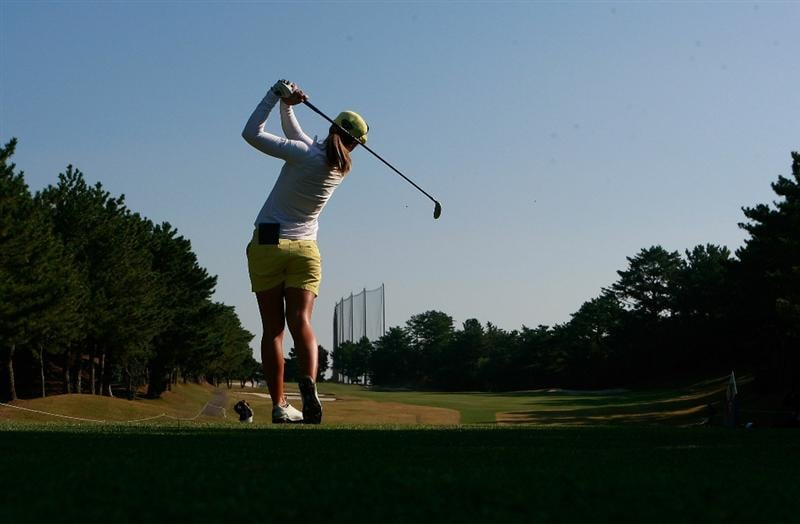 SHIMA, JAPAN - NOVEMBER 06:  Vicky Hurst of United States plays a shot on the 2nd hole during round two of the Mizuno Classic at Kintetsu Kashikojima Country Club on November 6, 2010 in Shima, Japan.  (Photo by Chung Sung-Jun/Getty Images)