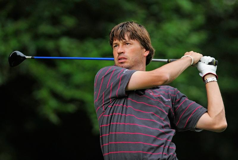 HILVERSUM, NETHERLANDS - SEPTEMBER 10:  Robert - Jan Derksen of The Netherlands plays his tee shot on the 17th hole during the second round of  The KLM Open Golf at The Hillversumsche Golf Club on September 10, 2010 in Hilversum, Netherlands.  (Photo by Stuart Franklin/Getty Images)