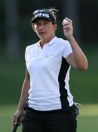GUADALAJARA, MX - NOVEMBER 15: Angela Stanford of the United States waves to the crowd after finishing her round on the 18th hole during the third round of the Lorena Ochoa Invitational at Guadalajara Country Club on November 15, 2008 in Guadalajara, Mexico. (Photo by Hunter Martin/Getty Images)