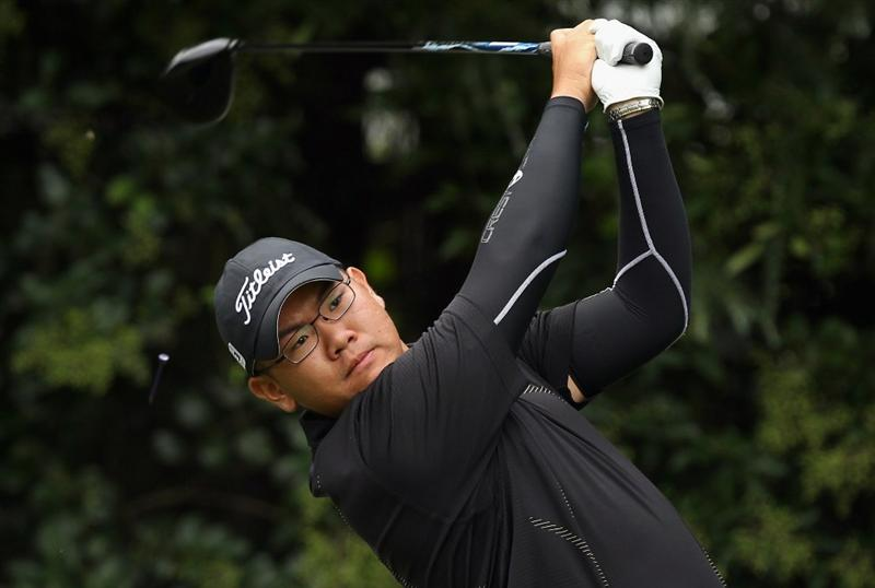 KAWAGOE CITY, JAPAN - OCTOBER 08:  Tze Huang Choo of Singapore watches his tee shot on the 8th hole during the second round of the 2010 Asian Amateur Championship at Kasumigaseki Country Club on October 8, 2010 in Kawagoe City, Japan.  (Photo by Streeter Lecka/Getty Images)