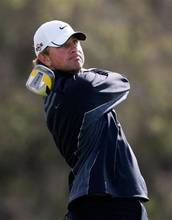 LA JOLLA, CA - FEBRUARY 07:  Lucas Glover hits a tee shot on the 12th hole during the third round of the Buick Invitational at the Torrey Pines Golf Course on February 7, 2009 in La Jolla, California.  (Photo by Jeff Gross/Getty Images)