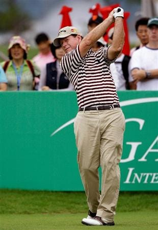 INCHEON, SOUTH KOREA - SEPTEMBER 10:  Tom Watson of United States hits a tee shot during day one of PGA Champions Tour - Posco E&C Songdo Championship at Jack Nicklaus Golf Club on September 10, 2010 in Incheon, South Korea.  (Photo by Chung Sung-Jun/Getty Images)