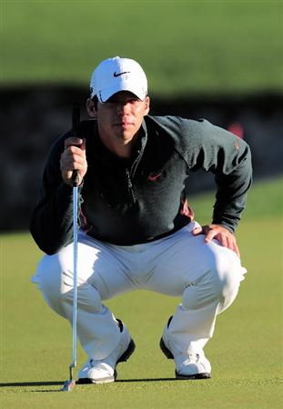 MARANA, AZ - MARCH 1:  Paul Casey of England lines up his putt on the third hole during the final round of Accenture Match Play Championships at The Ritz-Carlton Golf Club at Dove Mountain March 1, 2009 in Marana, Arizona.  (Photo by Stuart Franklin/Getty Images)