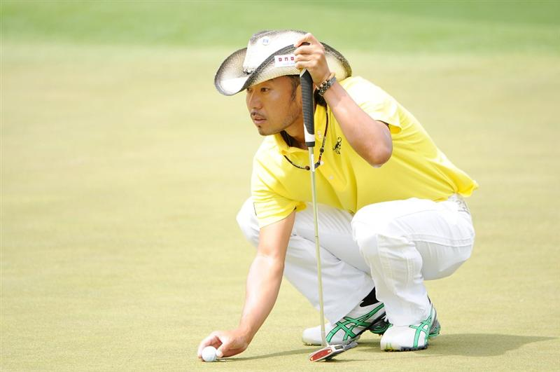 AUGUSTA, GA - APRIL 11:  Shingo Katayama of Japan lines up a putt on the second hole during the third round of the 2009 Masters Tournament at Augusta National Golf Club on April 11, 2009 in Augusta, Georgia.  (Photo by Harry How/Getty Images)