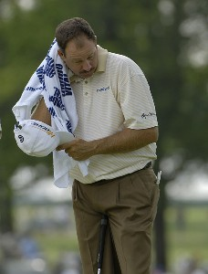 Bart Bryant tries to keep cool during the third round of the 2006 U.S. Open Golf Championship at Winged Foot Golf Club in Mamaroneck, New York on June 17, 2006.Photo by Marc Feldman/WireImage.com
