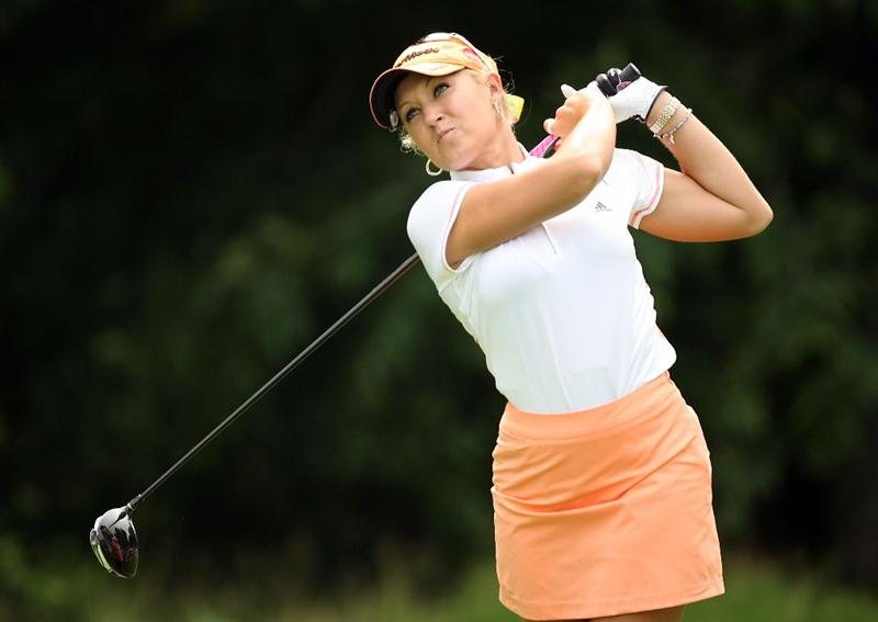 HAVRE DE GRACE, MD - JUNE 11:  Natalie Gulbis hits her tee shot on the 4th hole during the first round of the McDonald's LPGA Championship at Bulle Rock Golf Course on June 11, 2009 in Havre de Grace, Maryland.  (Photo by Andy Lyons/Getty Images)