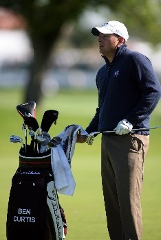 PALM BEACH GARDENS, FL - FEBRUARY 28:  Ben Curtis pulls a club from his bag on the 10th hole during the first round at the Honda Classic at PGA National Resort and Spa on February 28, 2008 in West Palm Beach Gardens, Florida.  (Photo by Marc Serota/Getty Images)