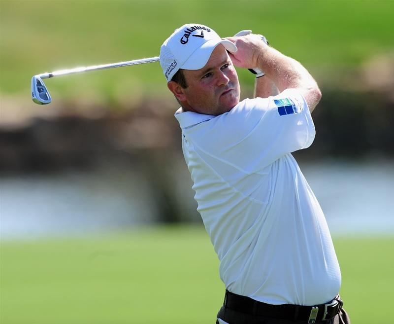VILAMOURA, PORTUGAL - OCTOBER 15:  Alastair Forsyth of Scotland plays his approach shot on the 18th hole during the first round of the Portugal Masters at the Oceanico Victoria Golf Course on October 15, 2009 in Vilamoura, Portugal.  (Photo by Stuart Franklin/Getty Images)