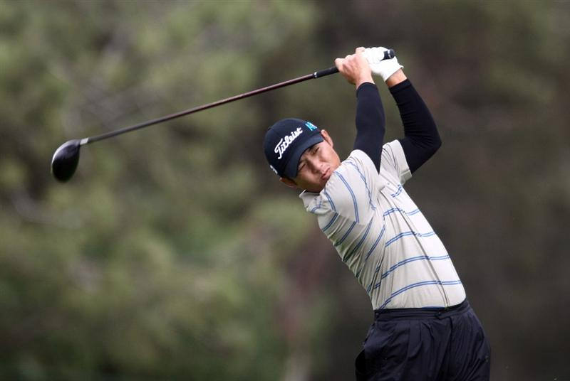 LA JOLLA, CA - FEBRUARY 06:  Ryuji Imada hits off the fairway of the 19th hole during the 2nd Round of the Buick Invitational at the Torrey Pines North Course on February 6, 2009 in La Jolla, California. (Photo by Donald Miralle/Getty Images)