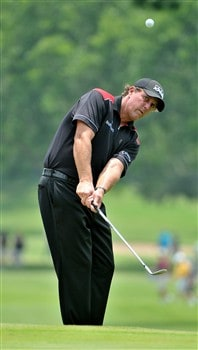 FORT WORTH , TX - MAY 24:  Phil Mickelson hits chip shot to the 2nd green during the third round of the Crowne Plaza Invitational at Colonial Country Club on May 24, 2008 in Fort Worth, Texas.  (Photo by Marc Feldman/Getty Images)