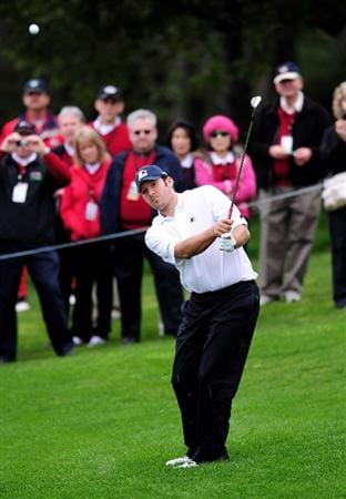 PEBBLE BEACH, CA - FEBRUARY 10:  Tony Romo plays a shot during the 3M Celebrity Challenge at the AT&T Pebble Beach National Pro-Am at Pebble Beach Golf Links on February 10, 2010 in Pebble Beach, California.  (Photo by Stuart Franklin/Getty Images)