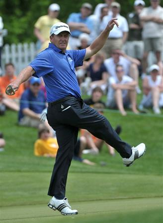 WEST DES MOINES, IA - MAY 31: Fred Funk misses an eagle putt on the 9th hole  during the third and final round of the Principal Charity Classic held at the Glen Oaks Country Club on May 31, 2009 in West Des Moines, Iowa. (Photo by Marc Feldman/Getty Images)