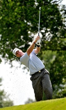 MEMPHIS, TN - JUNE 06: Scott Verplank hits his approach shot into the 9th hole during the second round of the Standford St. Jude Championship at the TPC Southwind on June 6, 2008 in Memphis, Tennessee (Photo by Marc Feldman/Getty Images)