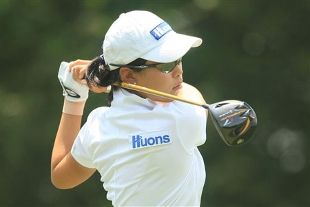 MT. PLEASANT, SC - MAY 31:  Sun Young Yoo of South Korea watches her tee shot on the fourth hole during the third round of the Ginn Tribute at RiverTowne Country Club on May 31, 2008 in Mt. Pleasant, South Carolina.  (Photo by Scott Halleran/Getty Images)