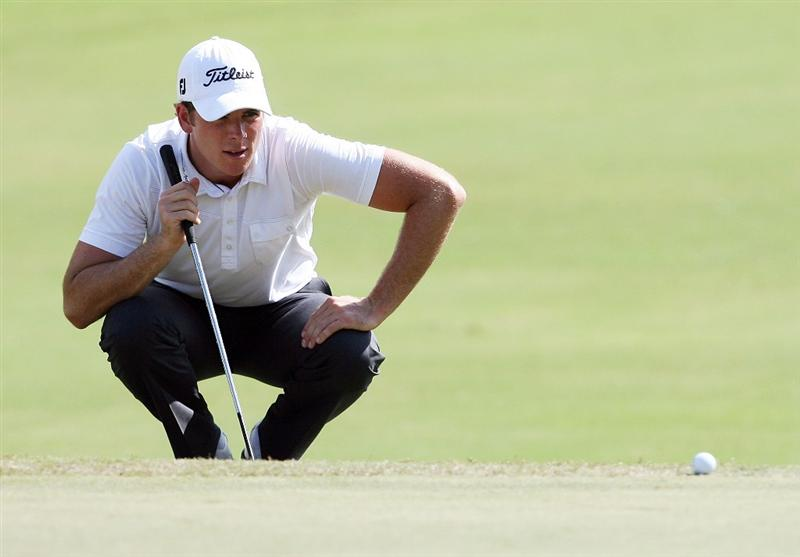 MIAMI - OCTOBER 16:  Luke List lines up a putt during the second round of the 2009 Nationwide Tour Miccosukee Championship at the Miccosukee Golf & Country Club on October 16, 2009 in Miami, Florida.  (Photo by Doug Benc/Getty Images)