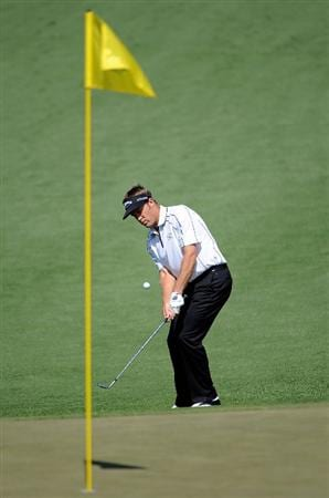 AUGUSTA, GA - APRIL 09:  Stuart Appleby of Australia hits a pitch shot on the second hole during the first round of the 2009 Masters Tournament at Augusta National Golf Club on April 9, 2009 in Augusta, Georgia.  (Photo by Harry How/Getty Images)