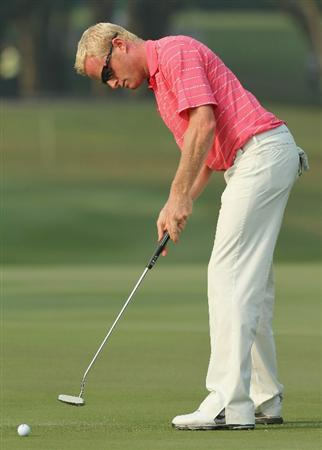 HONG KONG - NOVEMBER 19:  Simon Dyson of England putts during day two of the UBS Hong Kong Open at The Hong Kong Golf Club on November 19, 2010 in Hong Kong, Hong Kong.  (Photo by Stanley Chou/Getty Images)
